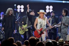Robin Zander Photos - 31st Annual Rock and Roll Hall of Fame Induction Ceremony - Show - Zimbio