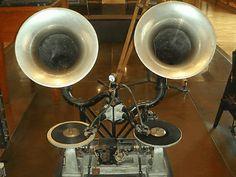 100年以上昔に作られた世界最古のDJシステム | BUZZAP!(バザップ!)
