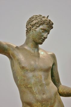 Art and History - National Archaeological Museum, Athens, 2009 Ancient Greek Sculpture, Ancient Greek Art, Ancient Greece, Roman Sculpture, Sculpture Art, Classical Greece, Art Rules, Roman Art, Illusion Art