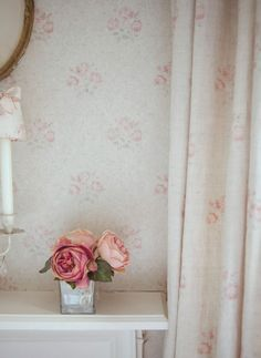 Kitty - soft little bunches of pale pink and grey roses