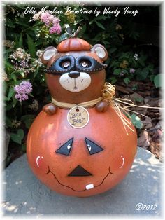 """""""Boo Bear"""" gourd painting class for October 2012."""