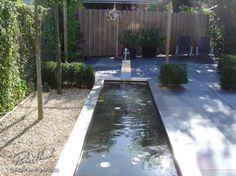 Hier vindt u foto's van veel voorbeeldtuinen die wij bij klanten gerealiseerd hebben. Neem een kijkje en laat u inspireren voor uw tuin. Bent u overtuigd en wilt u ook een mooie tuin, neem dan contact met ons op. Sidewalk, Backyard Patio, Walkways, Pavement, Curb Appeal