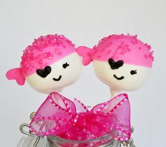 girl pirate party cake pops!!! this goes to etsy - but I could make these!