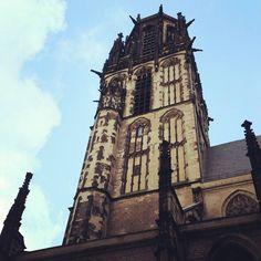 Ik heb iets moois gevonden! Meteen ook het enige mooie maar toch!  #duisburg #germany #duitsland #travelblog #travelbloggerlife #wanderlust #travel #traveling #travelgram #travelshot by www_marieke