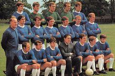 Everton team group in British Football, Retro Football, Football Team, Everton Fc, Soccer Stars, Team Photos, Punk Rock, Comebacks, Seasons