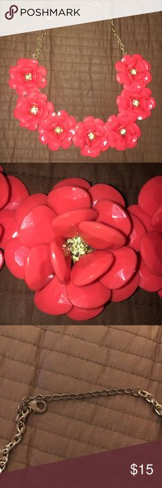 """Gorgeous Flower Necklace Beautiful coral color and in excellent condition. It's a perfect statement piece for a dressy affair or to dress up a plain top. The only """"issue"""" is the clasp is a bit tarnished (see last picture), but you can't see that when wearing it. Otherwise, the necklace is perfect. Feel free to ask any questions. Jewelry Necklaces"""