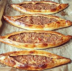 Minced Pita – Sinimini – Delicious Recipes – Famous Last Words Turkish Recipes, Ethnic Recipes, Good Food, Yummy Food, Delicious Meals, Mince Meat, Best Appetizers, How To Cook Pasta, Street Food