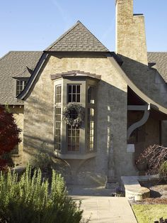 CURB APPEAL – another great example of beautiful design. stucco cottage by mcalpine tankersley.