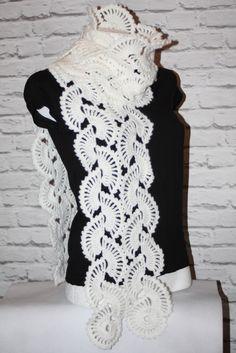 Crochet white scarf  #crochet #crocheted #shawl #etsy #etsyshop, #etsyseller, #handmade #boho #neckwarmer #makatarina #crochetshawl #crochetscarf #cozyshawl #wintershawl #warmscarf #wintershawl