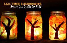 Mason jar fall tree luminaries craft for kids! A fun fall themed craft for preschoolers.
