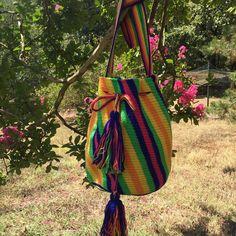 27 отметок «Нравится», 4 комментариев — Neaçanta (@neacanta_tr) в Instagram: «Colorful bag. Rainbow pattern Gökkuşağı modeli #style #madeinturkey #itbag…»