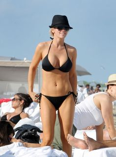 Jenny McCarthy's implants made her a bombshell beauty by going just the right size.