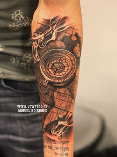 tattoos with compass and plane and grid Map Tattoos, Bild Tattoos, Music Tattoos, Sleeve Tattoos, Cool Tattoos, Tattoo Arm Mann, Tattoo Arm Frau, Cross Tattoos For Women, Tattoos For Guys