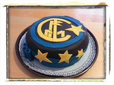 Inter forever!!! Torta al cioccolato con panna e marmellata di ciliege!