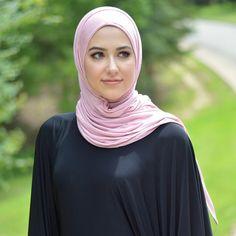 jersey hijab by @uniquehijabs