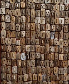 Mark bourlier is a french artist who started using driftwood to compose his images in 1995 using scraps of wood to create a commentFurniture and wood shavings: Mark Bourlier ILove these textures and the patina of weathered wood Driftwood Wall Art, Driftwood Crafts, Wood Sculpture, Wall Sculptures, Wooden Art, Scrap Wood Art, Assemblage Art, Whittling, Recycled Art