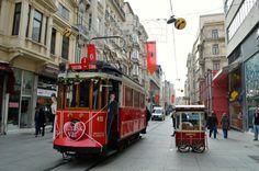 Istanbul ist eine facettenreiche Metropole. In dieser Stadt gibt es so viele verschiedene Welten, wie in kaum einer anderen Stadt. Diese warten natürlich darauf entdeckt zu werden.....mehr unter: http://welt-sehenerleben.de/  #Istanbul #Türkei #Urlaub #Reisen