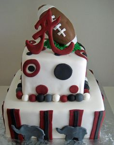 So cute! this can be my birthday cake! plus my birthday is only 23 days away from the start of football season, so there! :)