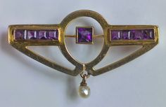 JUGENDSTIL Brooch Gold Amethyst Pearl  W  3.40 cm (1.34 in)  |  D  2.00 cm (0.79 in)  Origin	German, c. 1900 Marks	'375'