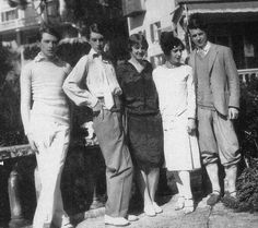 from l-r: cecil beaton, stephen tennant, zita jungman, edith olivier and rex whistler
