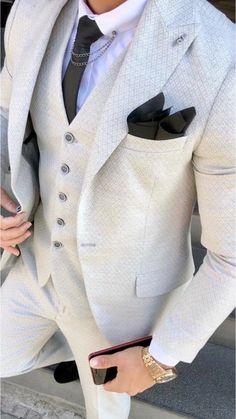 Dress Suits For Men, Mens Suits, Men Dress, Business Casual Attire For Men, Suit Fashion, Fasion, Custom Made Suits, Slim Fit Suits, Moda Casual