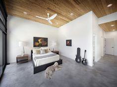 Modern home by Matt Fajkus Architecture
