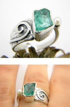 Apatite ring sterling silver raw gemstone ring - handmade cocktail ring - rough apatite stone and pearl ring size 7 artisan jewelry