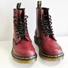 As good as new Dr. Martens now up on Fashion-Vintage.com, for only 90 euro! #fashion #vintage #drmartens