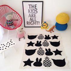 (http://www.spearmintlove.com/eco-bunny-baby-blanket-cream-black/)