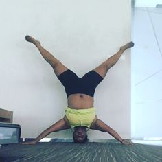 Headstand star pose