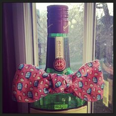 VV + champagne - perfect gift for jonathan! Delta Chi, Gamma Phi, Alpha Chi, Phi Mu, Southern Charm, Southern Style, Formal Proposals, Dream Wedding, Wedding Day