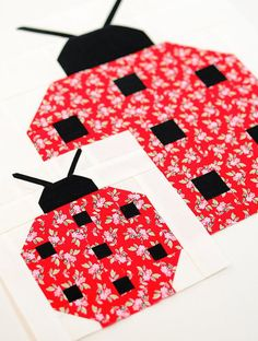 I added a new category to my Etsy Shop: single quilt block patterns in two sizes. This is the Ladybug quilt block pattern made with Mon Beau Jardin fabric. Quilting Projects, Quilting Designs, Sewing Projects, Patchwork Quilt Patterns, Patchwork Fabric, Crazy Patchwork, Single Quilt, Animal Quilts, Barn Quilts