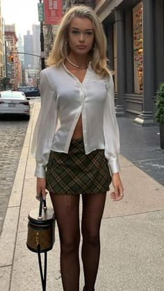 Mode Outfits, Fall Outfits, Summer Outfits, Fashion Outfits, Black Skirt Outfits, 2000s Fashion, Look Fashion, Autumn Fashion, Aesthetic Fashion