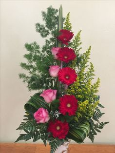 My favourite arrangements pink roses and red gerbera - designed by:TyraD. Rosen Arrangements, Modern Floral Arrangements, Creative Flower Arrangements, Church Flower Arrangements, Beautiful Flower Arrangements, Beautiful Flowers, Altar Flowers, Church Flowers, Funeral Flowers