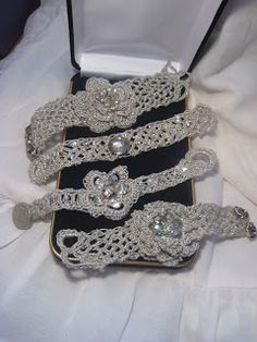 Handmade Crocheted Cuff Bracelets, used antique rhinestone jewelry Wire Crochet, Crochet Crafts, Crochet Projects, Knit Crochet, Bracelet Crochet, Crochet Jewellery, Jewelry Crafts, Handmade Jewelry, Bijoux Diy