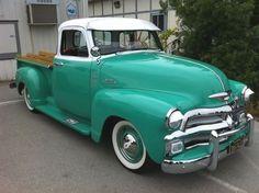 old #pickup #trucks 1954 Chevy Truck, Classic Chevy Trucks, Chevrolet Trucks, Classic Cars, Truck Camper, Chevy Classic, Best Pickup Truck, Vintage Pickup Trucks, American Pickup Trucks