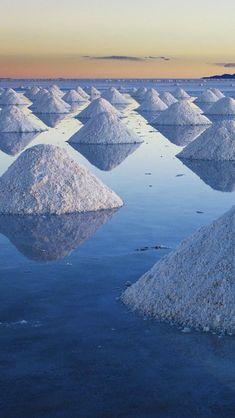 Salar de Uyuni in Bolivia - is the world's largest salt flat at 10,582 square kilometers (4,086 sq mi)