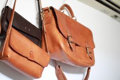 Look for more messenger bags at www.leathermessengerbags.top  VIAGGIO leather