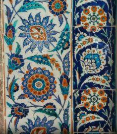 Kılıç Ali Paşa Camii Turkish Art, Turkish Tiles, Portuguese Tiles, Moroccan Tiles, Islamic Patterns, Textile Patterns, Sculpture Clay, Ceramic Sculptures, Handmade Pottery