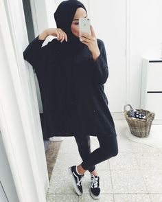 I love this style Islamic Fashion, Muslim Fashion, Fashion Wear, Modest Fashion, Fashion Outfits, Hijab Wear, Casual Hijab Outfit, Casual Outfits, Modest Wear
