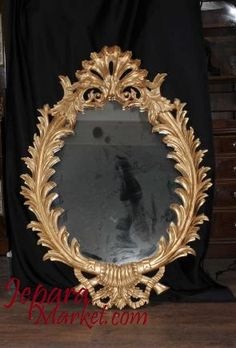 Mirror oval racoco French mempunyai desain menawan yang bergaya antic namun elegan.mirror ini terbuat dari kayu mahoni solid pilihan yang berkualitas tinggi.detail ukiran dikerjakan secara tiliti,h…