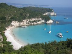 Hi everyone Does anyone has already experienced a sailing holiday on a bareboat in Greece?