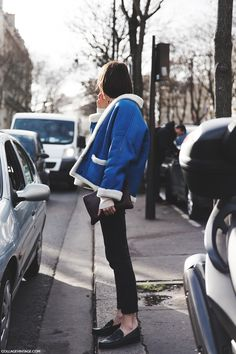 Paris_Fashion_Week-Fall_Winter_2015-Street_Style-PFW-Shearling_Coat-Blue-Loafers-1