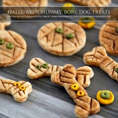 These Halloween mummy dog treat are a fun way to decorate a special batch treats. They are freezer-friendly and/or hold up well during handling, which makes them great for gifting to your favourite furfriends. Tricks for treats optional! Pumpkin Dog Treats, Diy Dog Treats, Homemade Dog Treats, Dog Treat Recipes, Healthy Dog Treats, No Bake Treats, Dog Food Recipes, Puppy Treats, Cookie Recipes