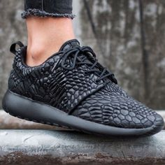Nike Roshe One DMB Sneakers •The Nike Roshe One DMB Women's Shoe features a snakeskin embossed upper for a revamped take on an iconic style. Meant to be versatile, it can be worn with or without socks, dressed up or down, for walking or just taking it easy.  •Women's size 8, run a bit large will work for a normal-wide 8 or narrow-normal 8.5.  •New in box (no lid). NO TRADES/PAYPAL. Nike Shoes Sneakers