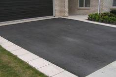 pavers along driveway Driveway Edging, Asphalt Driveway, Paver Walkway, Driveway Landscaping, Concrete Driveways, Brick Pavers, Driveway Ideas, Modern Driveway, Landscaping Contractors