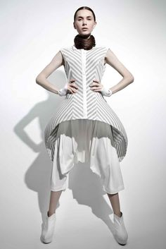 Sculptural Fashion - 3D dress with exaggerated silhouette, creative fashion // Max Tan S/S 2012
