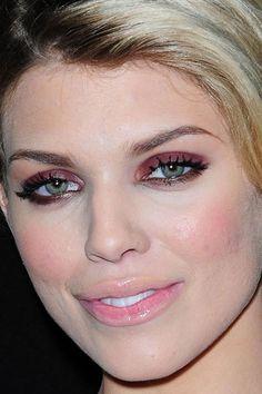 Maquillage de star : le make-up bordeaux d'AnnaLynne McCord