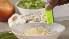 Quirky Glide Knife Cleaner Is A Neat Little Kitchen Tool