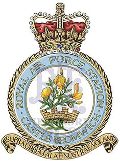 Fortune Favors The Bold, Royal Air Force, Crests, King George, Elizabeth Ii, Badges, Aircraft, Army, Gi Joe